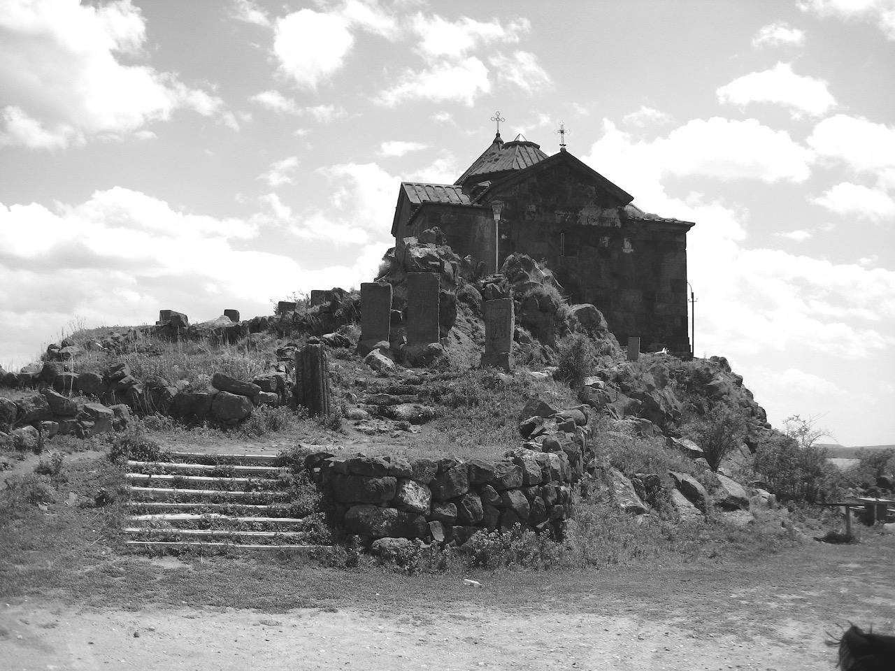 Am Sewansee. Aus: Eriwan. Kapitel 7. Aufzeichnungen aus Armenien von Marc Degens.