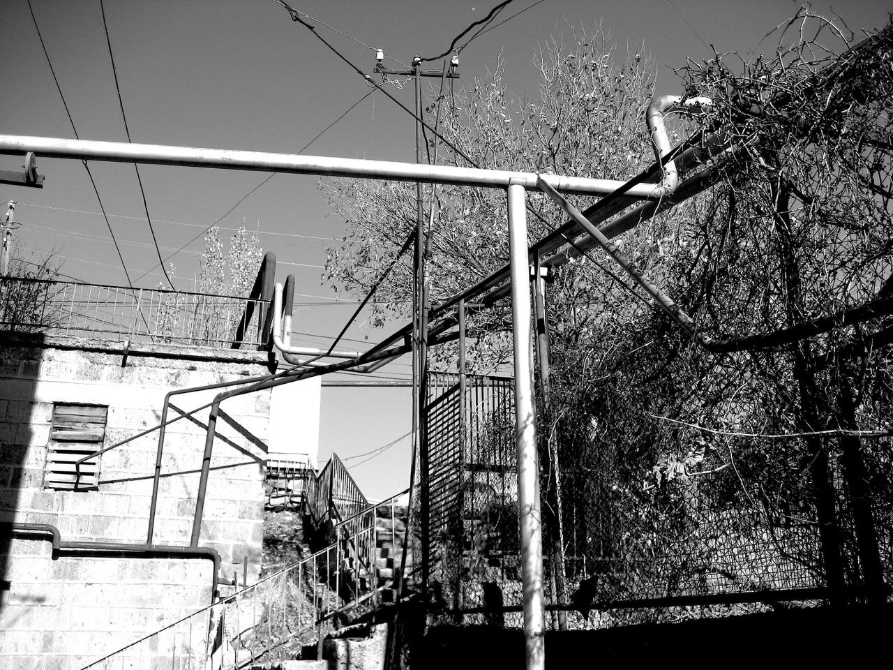 Foto: Armenische Röhre (Aygedzor). Aus: Eriwan. Kapitel 1. Aufzeichnungen aus Armenien von Marc Degens.