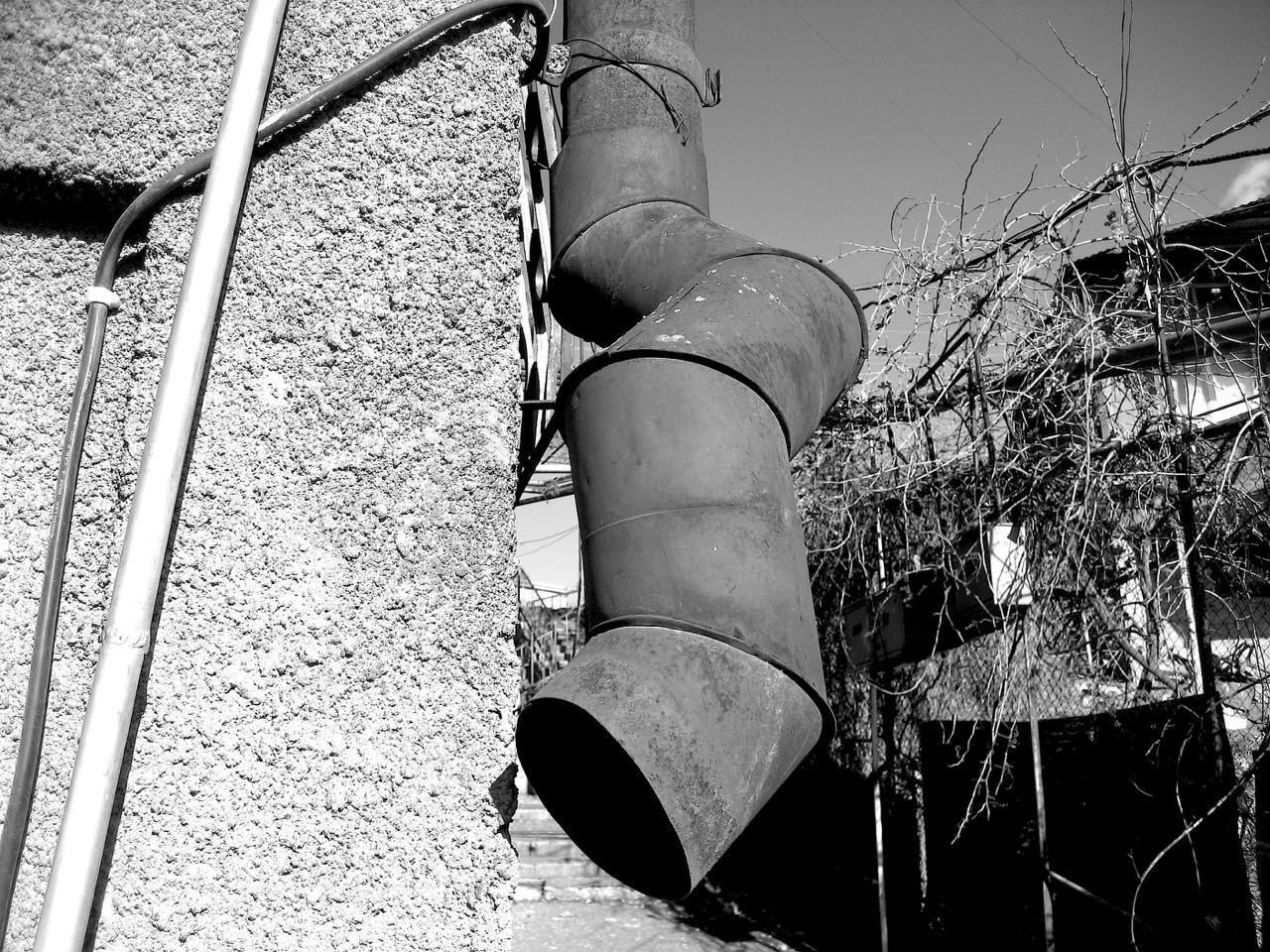 Foto: Armenische Röhre. Aus: Eriwan. Kapitel 4. Aufzeichnungen aus Armenien von Marc Degens.