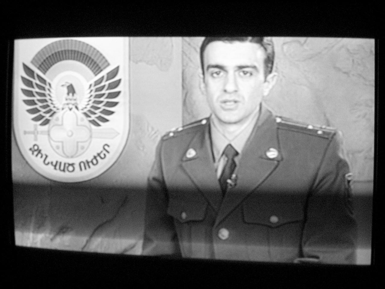 Foto: Militärmagazin. Aus: Eriwan. Kapitel 4. Aufzeichnungen aus Armenien von Marc Degens.