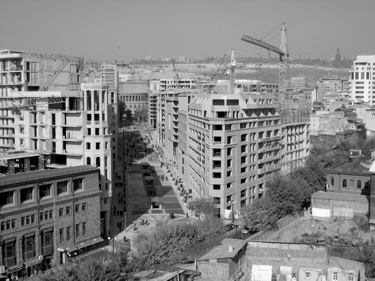 Foto: Northern Avenue. Aus: Eriwan. Kapitel 1. Aufzeichnungen aus Armenien von Marc Degens.