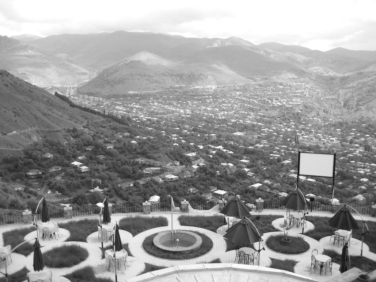 Foto: Restaurant Kharitak. Aus: Eriwan. Kapitel 4. Aufzeichnungen aus Armenien von Marc Degens.