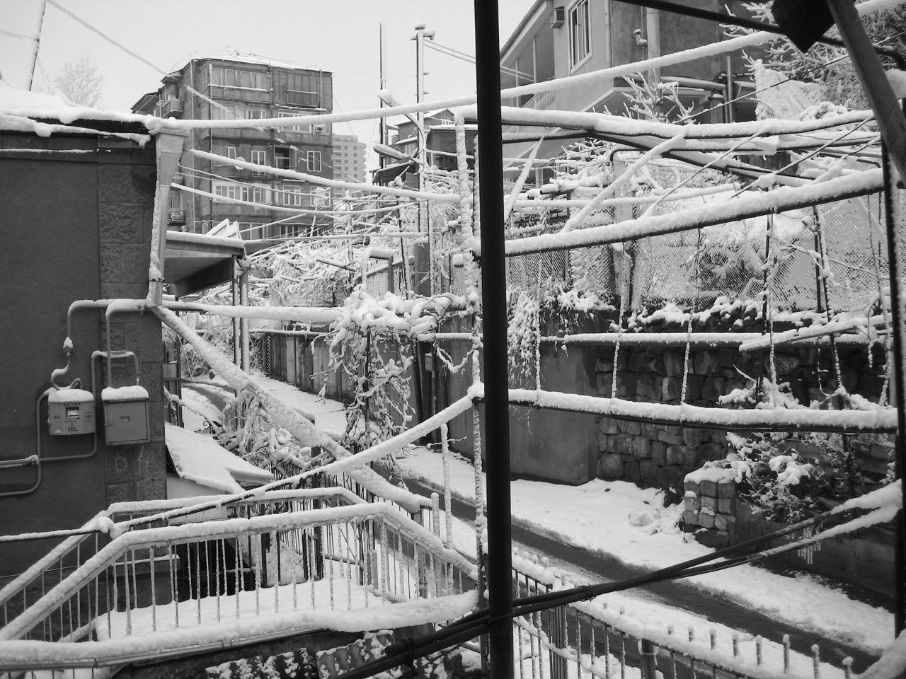 Foto: Winterlandschaft. Aus: Eriwan. Kapitel 7. Aufzeichnungen aus Armenien von Marc Degens.